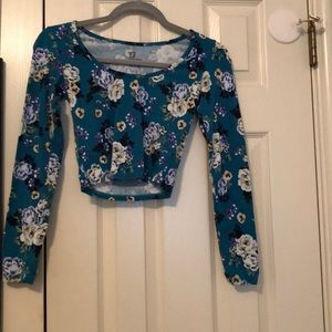Long sleeve flower crop top
